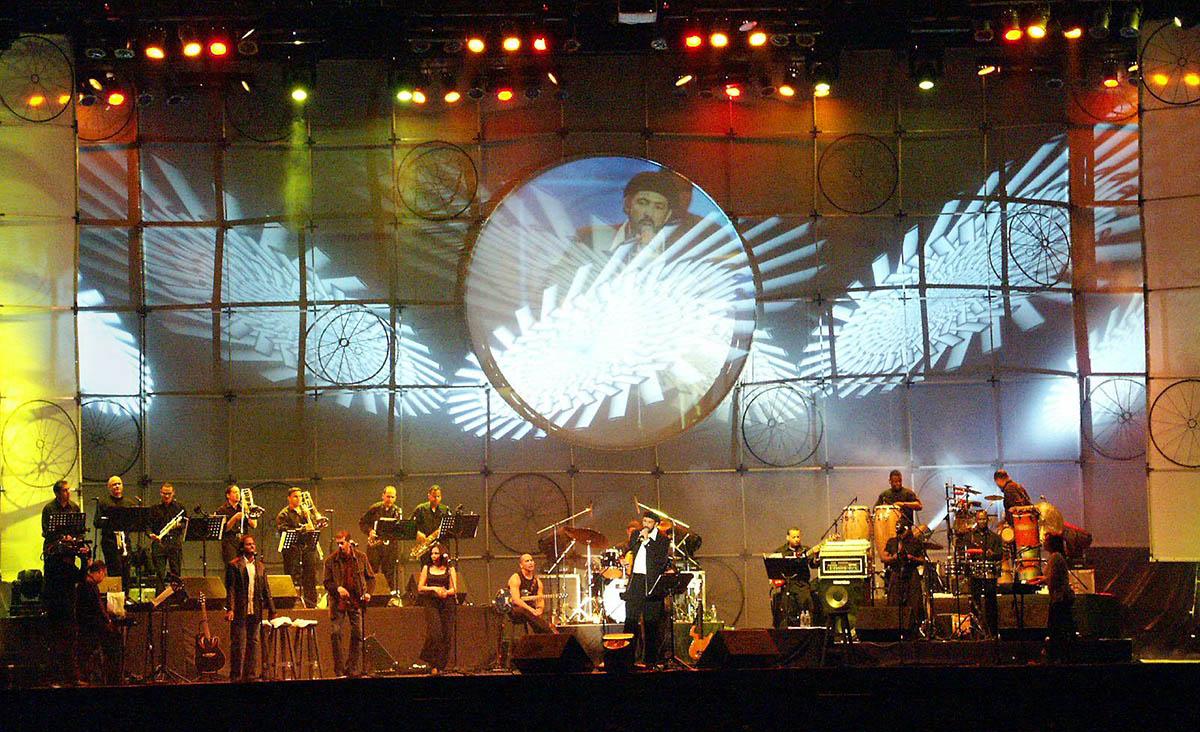Juan Luis Guerra y 440 El Niágara en Bicicleta, Teatro Nacional de Santo Domingo, 1999